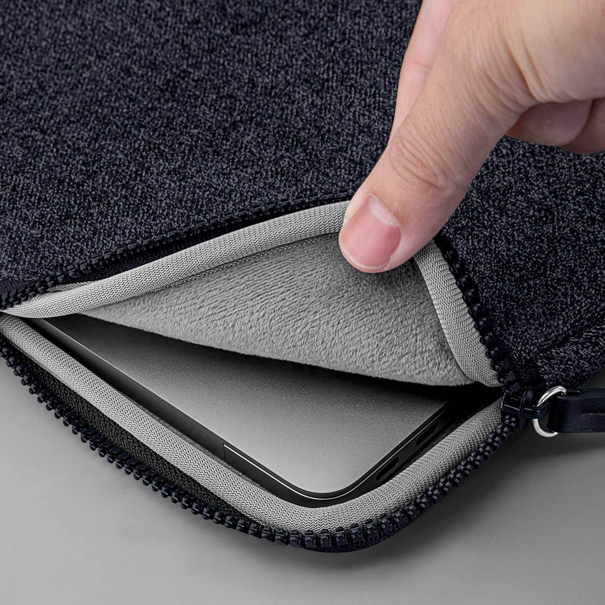 Picture of LAUT Inflight Protective Sleeve for MacBook 13-inch